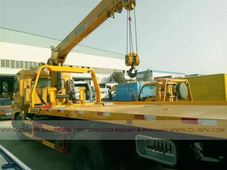 China different trucks with brand cranes66