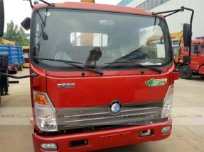 China different trucks with brand cranes70