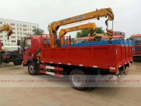 China different trucks with brand cranes73