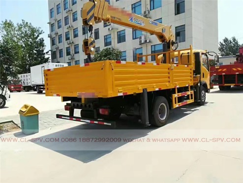 China different trucks with brand cranes76