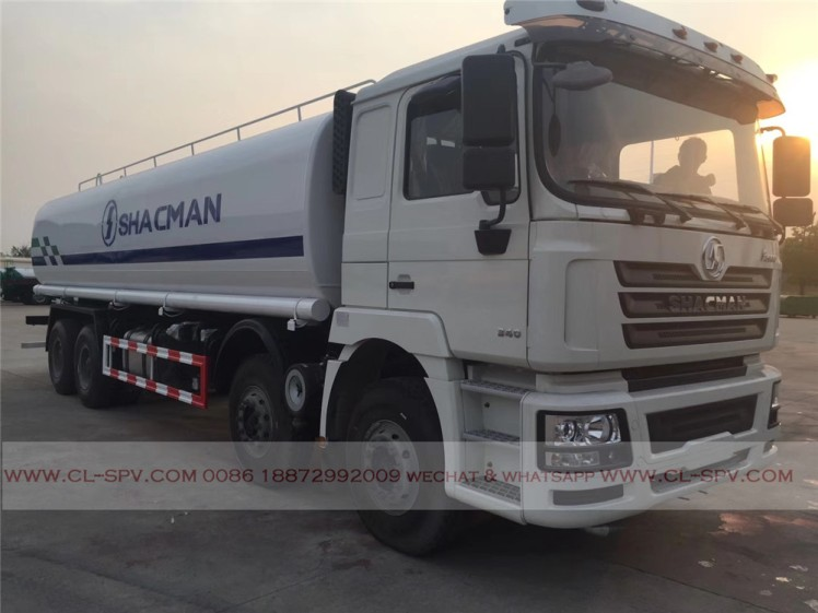 China shacman 30000 liters water truck 02