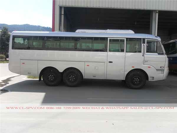 Dongfeng all wheel drive truck 02